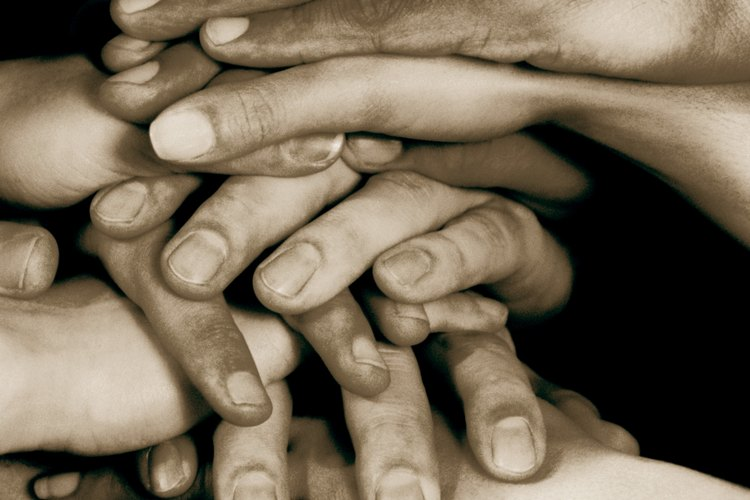 El voluntariado es una forma efectiva de educar en la responsabilidad, el compromiso y la participación de la comunidad.