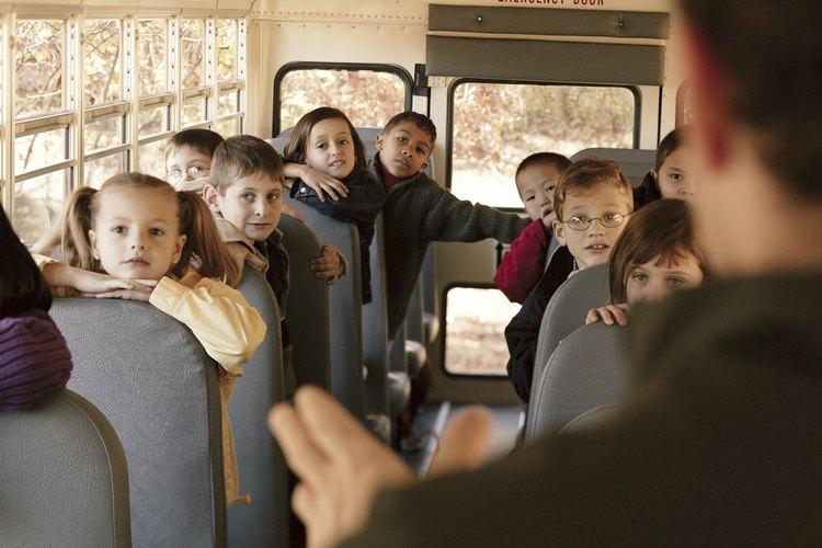 Los padres voluntarios podrían tener que ayudar a actuar como monitor de bus.
