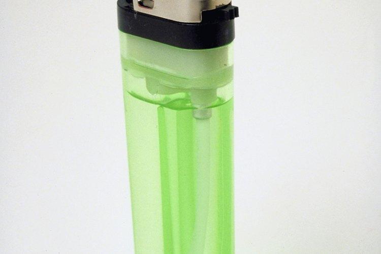 Muchos encendedores tienen una palanca para ajustar el tamaño de la flama.