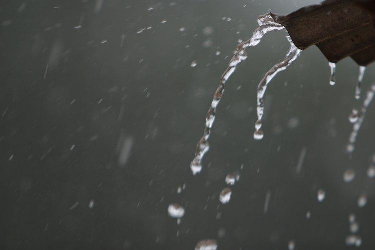Los canales de la lluvia se escurren directamente a donde harán poco daño.