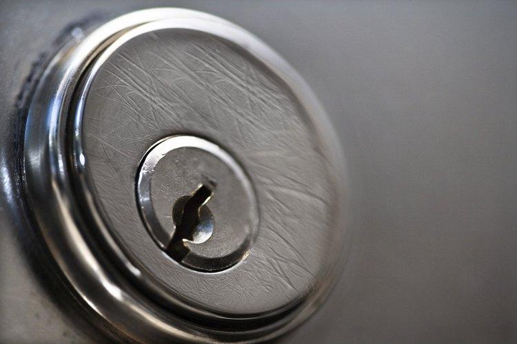 Perforar una cerradura de cilindro debe tomar sólo unos minutos.