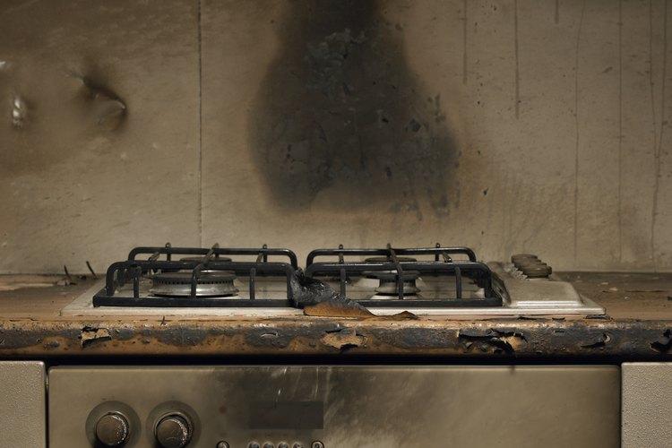 Las cocinas y hornos vienen en dos formas básicas: eléctricas y a gas.