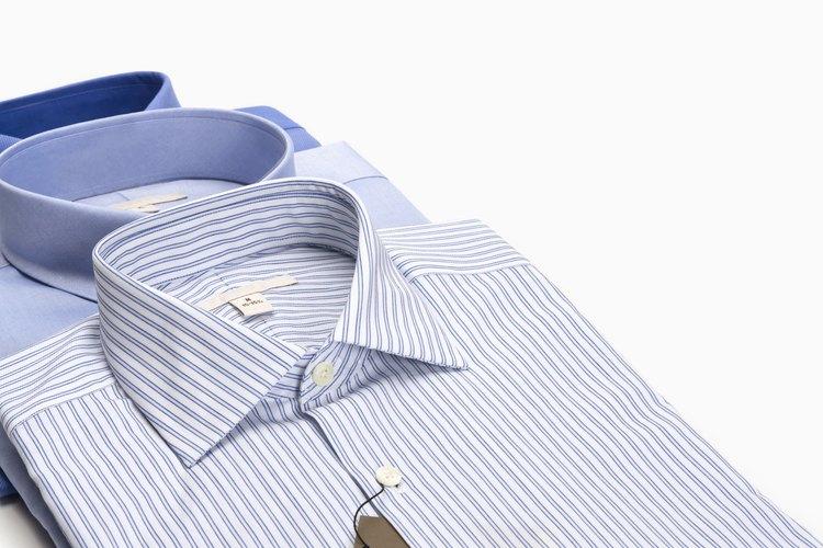 Para el cuello puntiagudo, cose cada costura por separado.