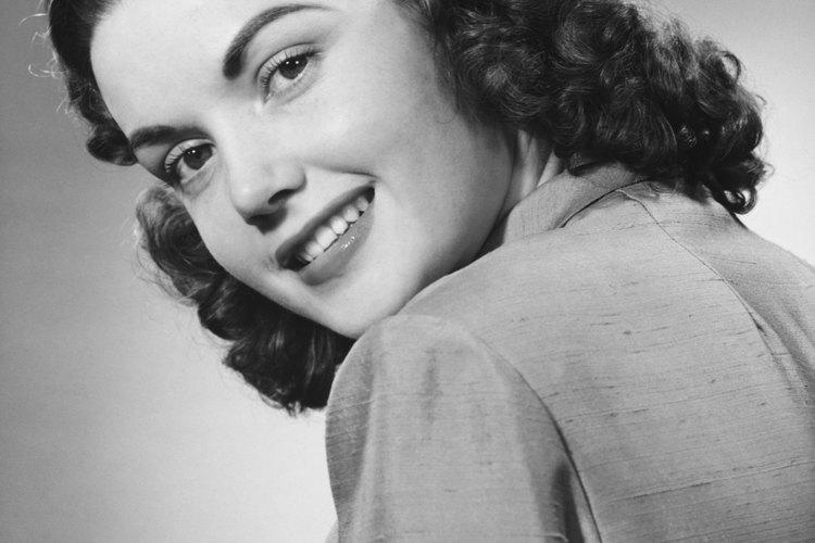 El pelo se usaba más largo en los años 40 que en las dos décadas anteriores.