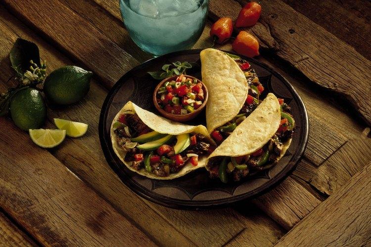Marina la aleta en salsa teriyaki o en un marinado mexicano.
