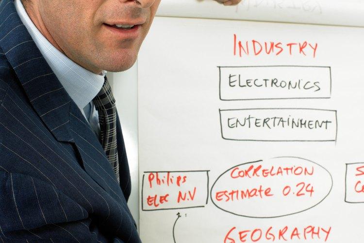 Los coordinadores de proyectos dirigen varias actividades de un equipo de trabajo.