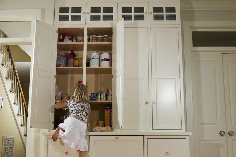 Los niños que se suben a los muebles pueden terminar con lesiones graves, como trauma cerebral e incluso la muerte.