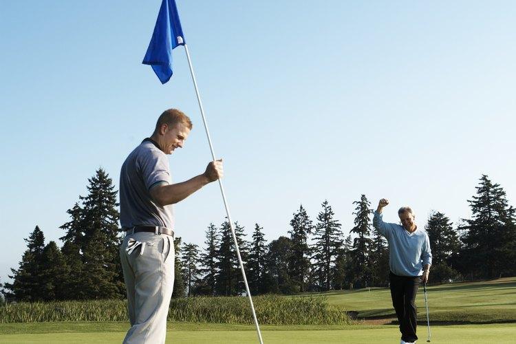 Algunos clubes de golf tienen requisitos en cuanto al tipo de pantalones que puedes usar.