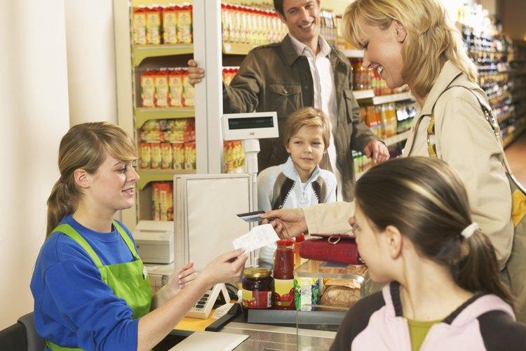 Las tareas y las responsabilidades de un cajero de supermercado |