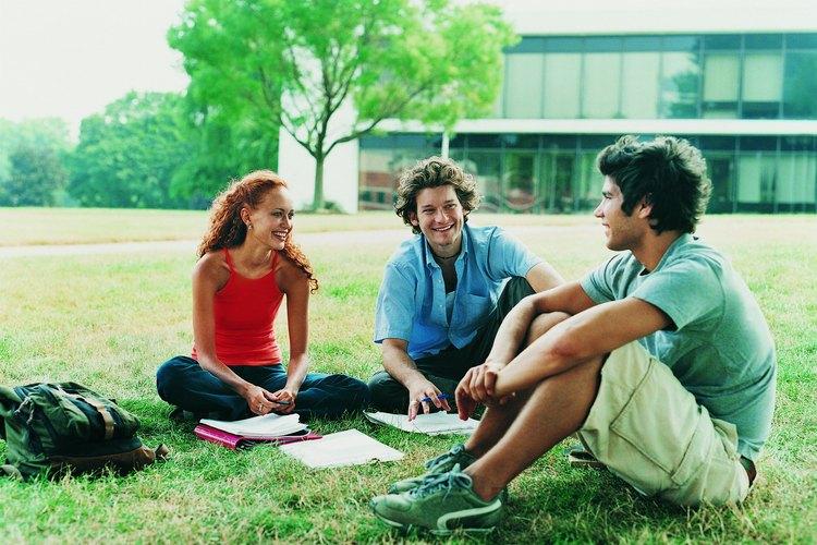 Practica en grupo las habilidades de comunicación no verbal para conocer la opinión de otras personas.