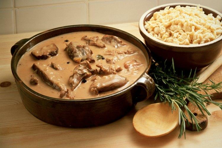 El spaetzle puede utilizarse en muchos platos.