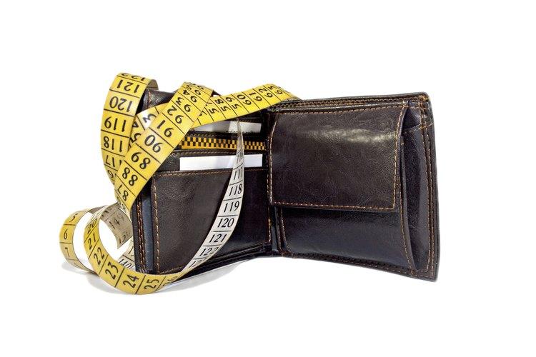 Esta billetera tiene una cremallera para mayor seguridad y es popular entre los hombres que trabajan en la construcción.