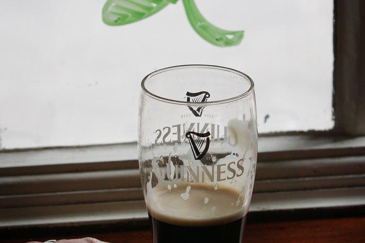 Consume cerveza oscura para evitar ponerte gaseoso.