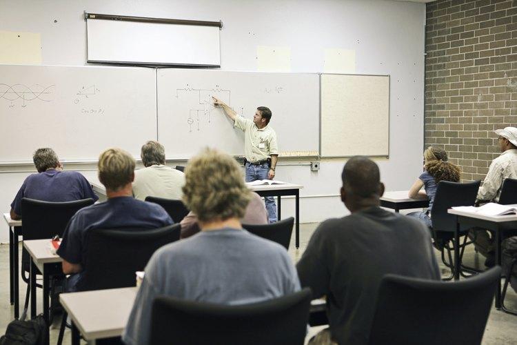El entrenamiento es realizado por la compañía que contrata los servicios.