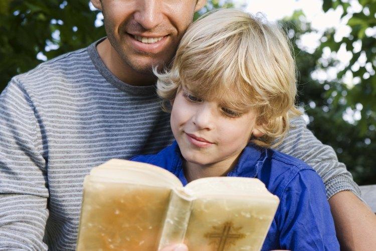 Los niños pequeños pueden memorizar las escrituras.