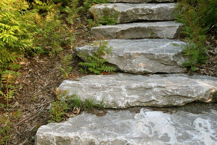 C mo hacer escaleras en un jard n a desnivel for Escaleras para caminar fuera del jardin