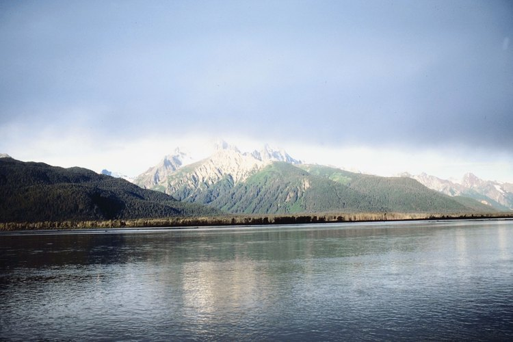 Alaska ofrece impresionantes características geográficas y una historia colorida.