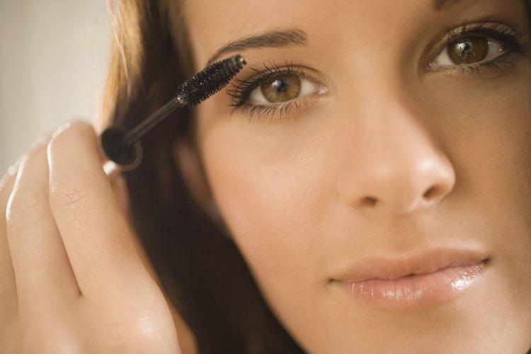 El maquillaje es la clave para vestirse como alguien del sexo opuesto.