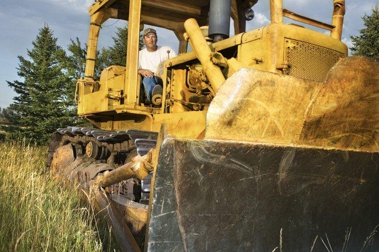 Para un desmonte, debes obtener capacitación sobre maquinaria pesada.
