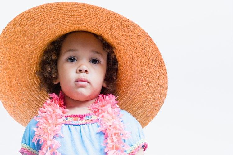 Hacer tu sombrero reciclado es fácil y ecológico.