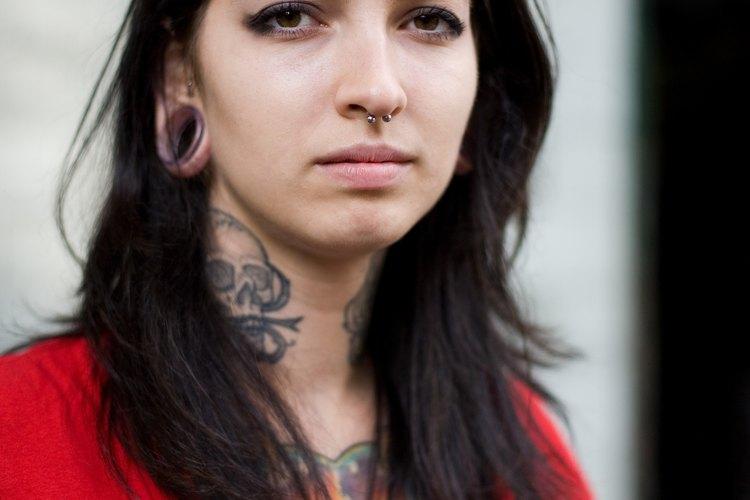 """Los tatuajes tribales pueden significar """"amistad"""" o """"lealtad""""."""