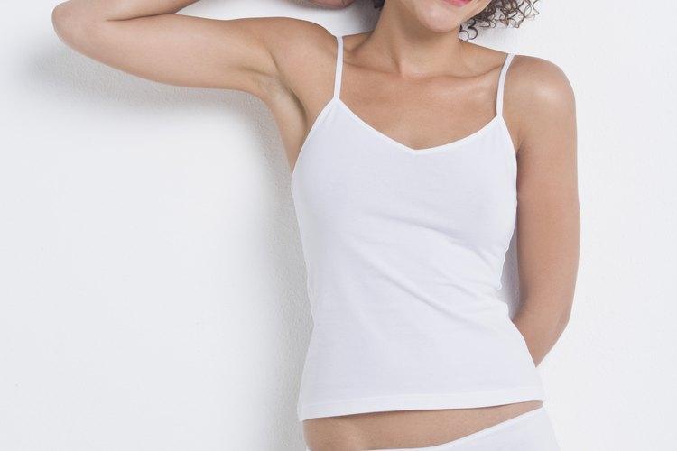 Blanquea y desinfecta tu ropa interior con blanqueador de cloro.