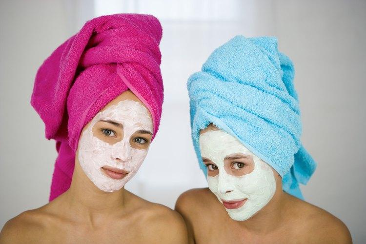 Regala un tratamiento en un spa para que tu adolescente comparta con su mejor amiga.
