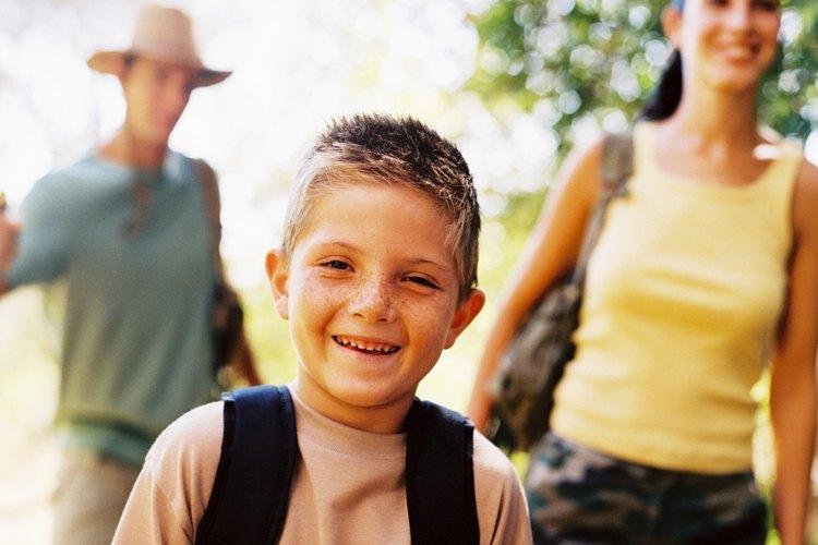 Haz la primera experiencia de mochilero divertida para que los niños quieran volver a ir.