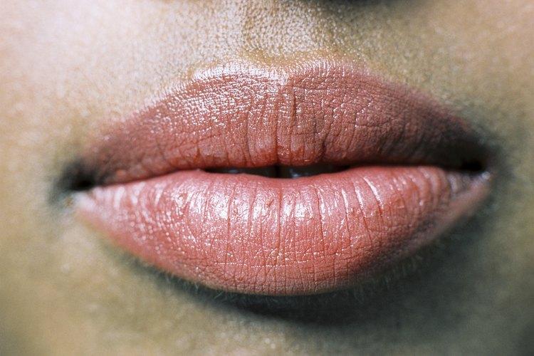Haz tu voluminizador labial en casa.