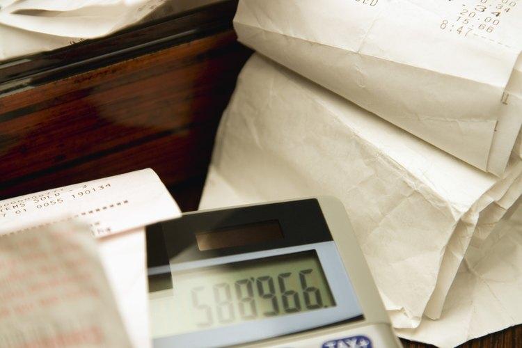 Suma todos los costos asociados con tu negocio de cortar el césped.