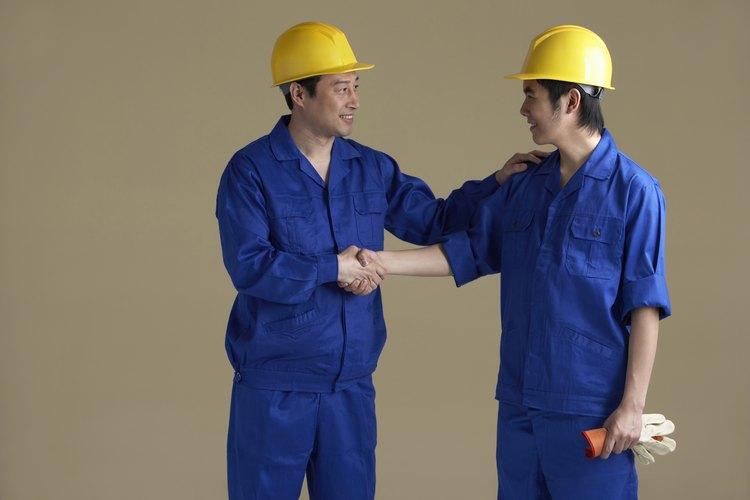 Usa ropa de protección cuando trabajes con productos químicos.