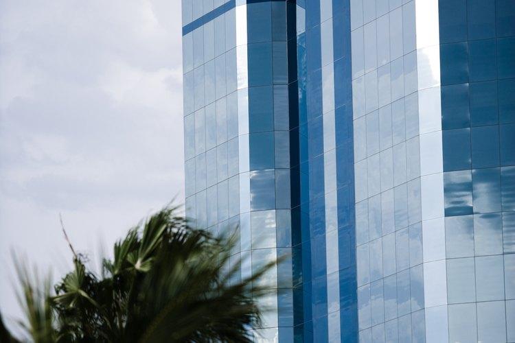 En Miami hay gran actividad comercial.