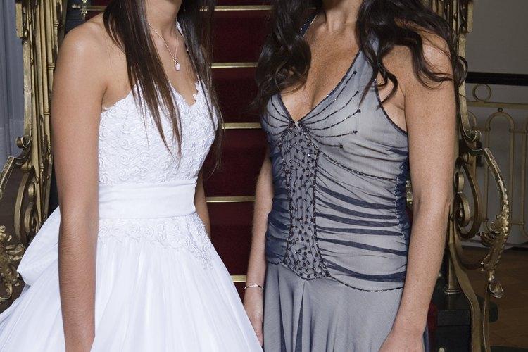 Una fiesta Quinceañera es parte de la tradición latina que celebra que una mujer joven se acerca a la mayoría de edad.