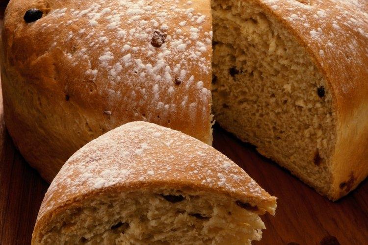 Una combinación de bicarbonato de sosa y jugo de limón hará que la masa de pan se eleve.