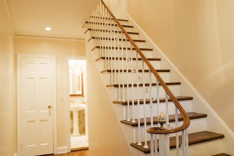 C mo pintar el hueco de una escalera for Que es una escalera