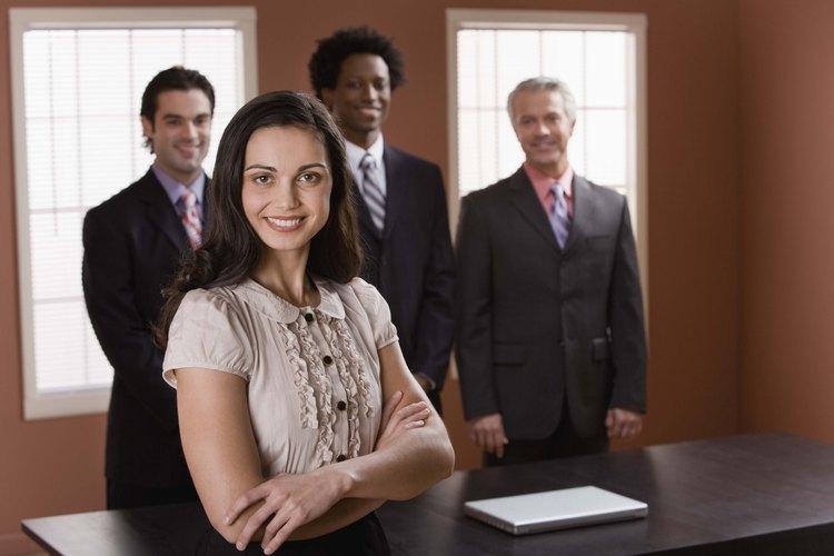 La comunicación en pequeños grupos facilita la toma de decisiones.