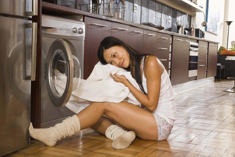 La información sobre el combustible de la secadora puede estra impresa dentro de la puerta.