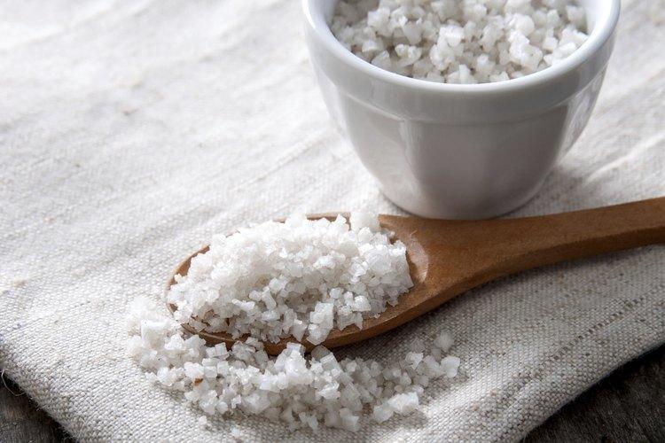 Los suavizadores de agua requieren alguna limpieza pero, además de agregar un poco de sal, su mantenimiento es bajo.