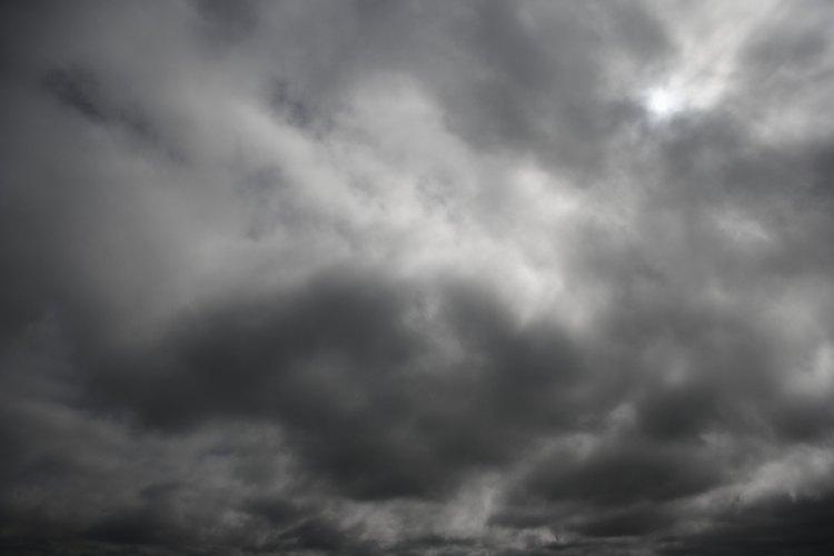 Un radar Doppler observa cómo se está moviendo aire dentro de las tormentas.