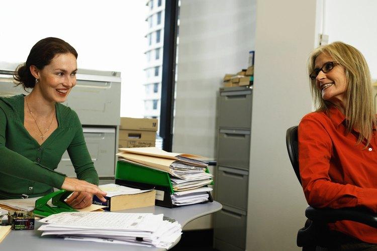 Las respuestas a estas preguntas te permiten examinar el liderazgo de la secretaria y las habilidades de pensamiento independiente.