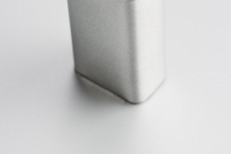 Las baterías comunes utilizan metales disímiles para crear la corriente.