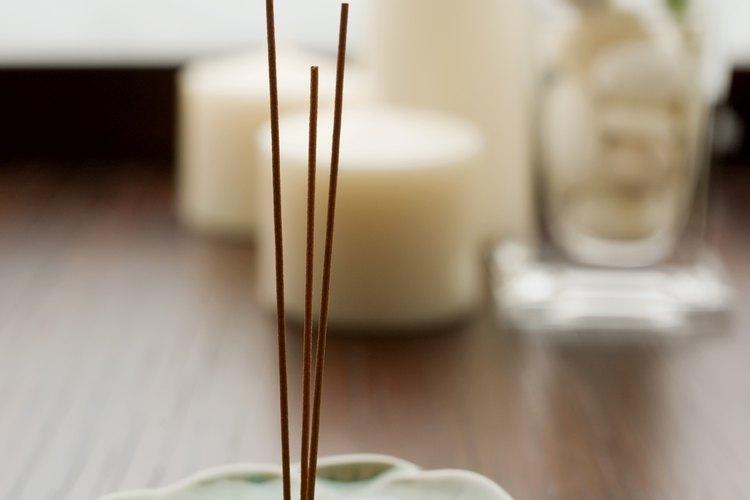 La salvia, el pasto dulce o el sándalo son los mejores aromas para la limpieza.