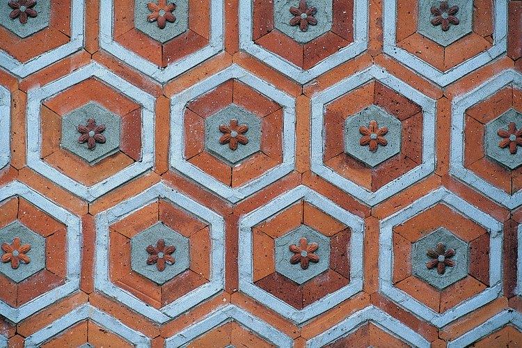 Puedes crear grandes patrones con azulejos de porcelana.