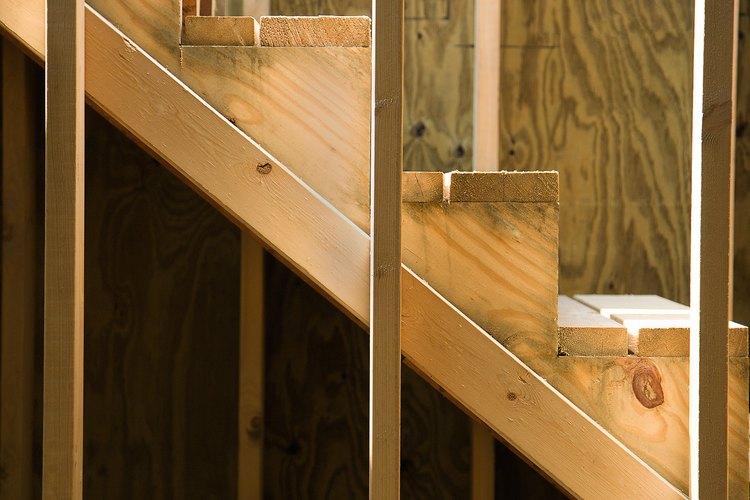 Los caños rotos o desbordados dejan húmeda la madera de los interiores.