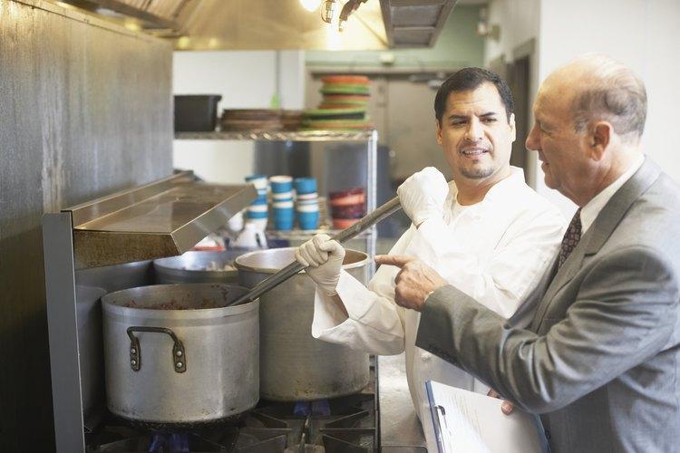 Un sous chef ejecutivo normalmente trabaja en restaurantes de lujo.