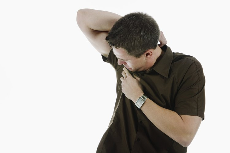 El sudor puede dejar manchas vergonzosas en tu ropa.