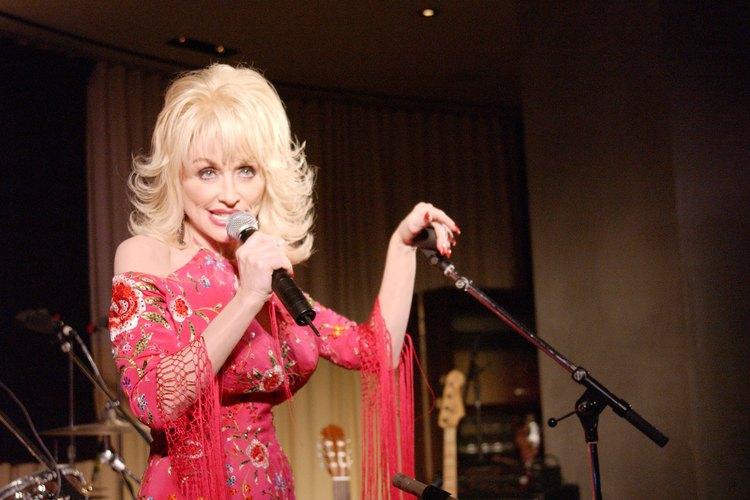 Dolly Parton en el escenario.