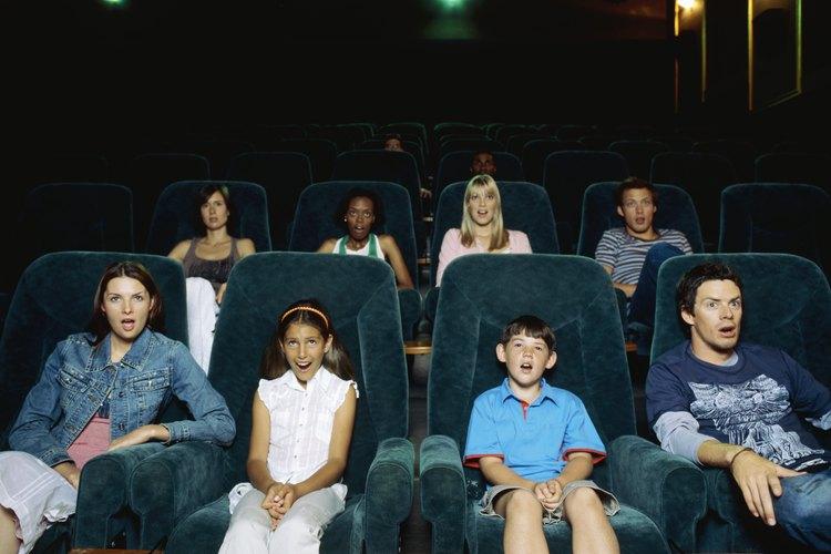 Da a tu familia una serie de pautas antes de salir al cine.