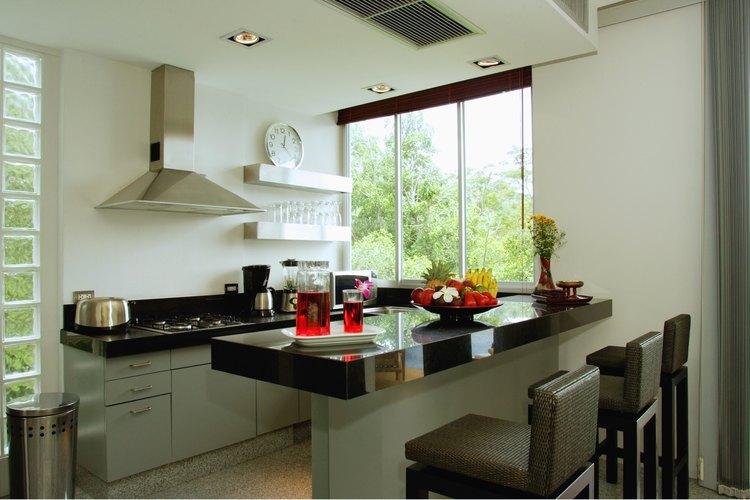 Cómo hacer que una cocina pequeña se vea mas grande |