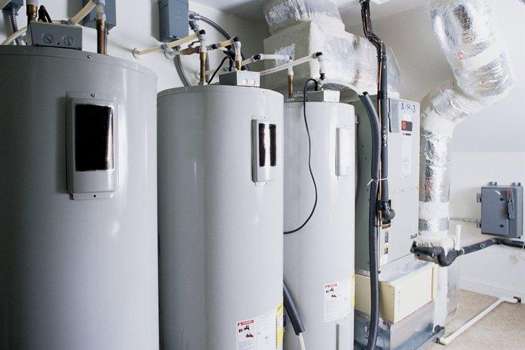Es un calentador de agua eléctrico con un tamaño para una familia de cuatro.
